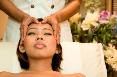 массаж головы усилвивает эфффект маски
