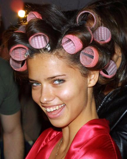 волнистые волос с помощью бигудей