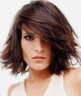 стрижка на средние волосы фото