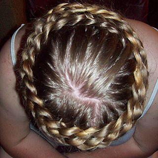 косички на средние волосы - фото 111