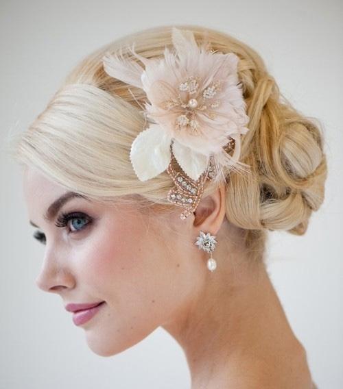 свадебная прическа на средние волосы фото