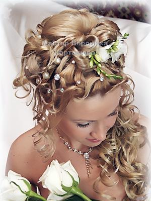 варианты свадебных причесок с цветами