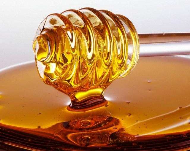 мед для борьбы с секущимися кончиками